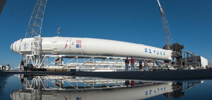 Falcon 9 + Dragon